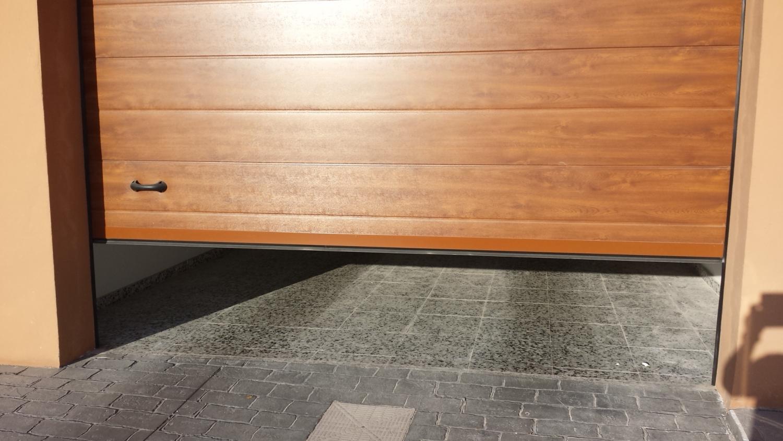 Cambio de puertas de garaje por puertas percianas - Puertas de garaje murcia ...